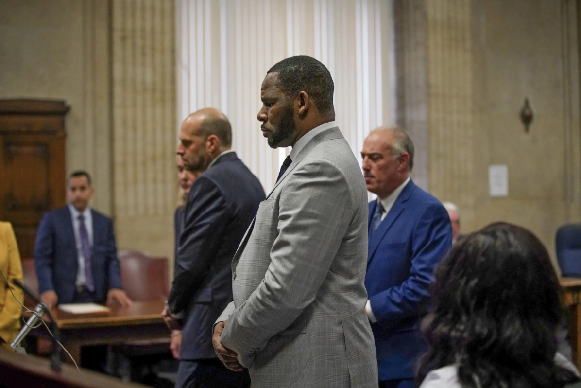 In R. Kelly Trial, the Verdict May Hinge on a Circle of Enablers